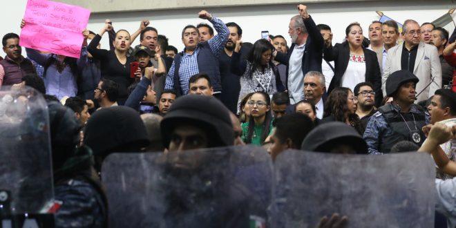 En el Congreso de Hidalgo, disputas y reformas rápidas