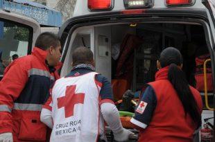 Sujetos interceptan a joven para golpearlo y asaltarlo en Mineral de la Reforma