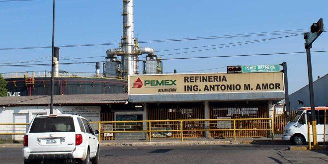 Hallan instalación clandestina en refinería