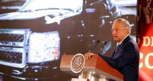 Anuncian venta de vehículos de lujo de Santa Lucía