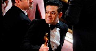 Así fue la caída de Rami Malek en el Óscar