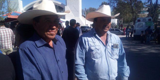 En Ahuehuepan no todo es huachicol y crimen: campesinos