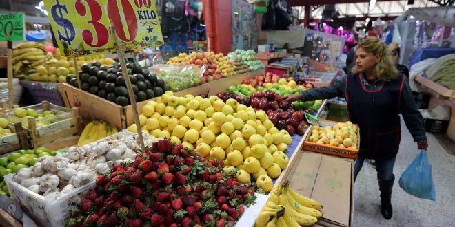 Bajan precios al consumidor en febrero
