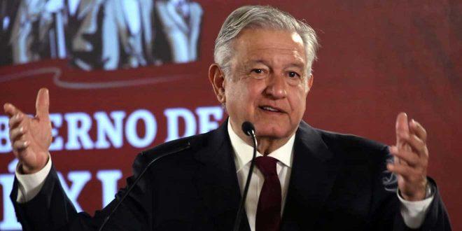 Defiende AMLO dar escoltas a Fox y Calderón