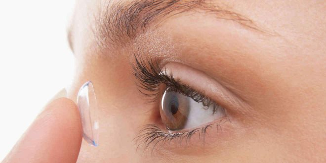 ¡Cuidado! Dormir con lentes de contacto es peligroso para la salud