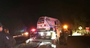 Vuelca ambulancia en el libramiento Tula-El Carmen