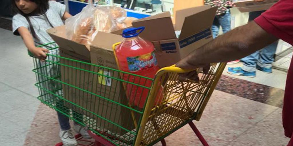 Sorprende a clientes la prohibición de uso de bolsas en