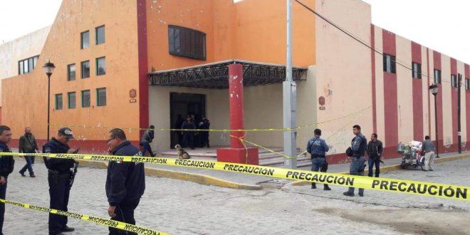Robo de 2 mdp de apoyos a adultos deja dos muertos, en Zempoala